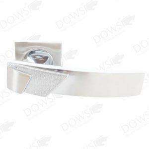 jual handle pintu di malang LHR DOWS Z 3196 SNCP 300x300 - Handle Roses LHR-DOWS-Z-3196